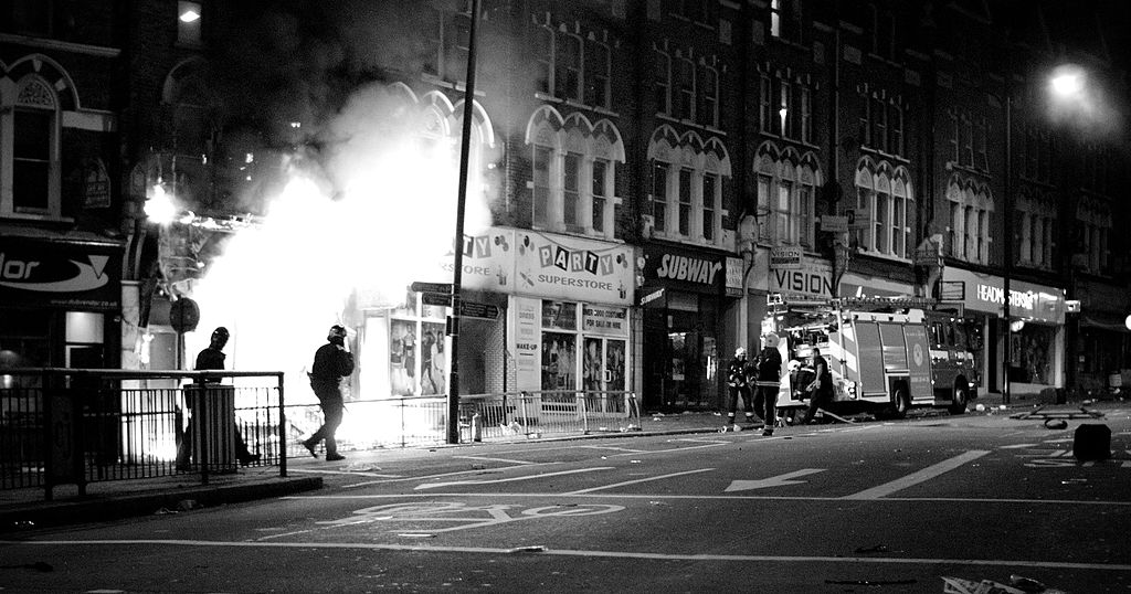 1024px Shop Fire During London Riots, 2011